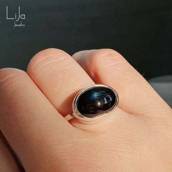 Goudsmid-LiJa-Jewelry-toermalijn-ring-zeeblauw