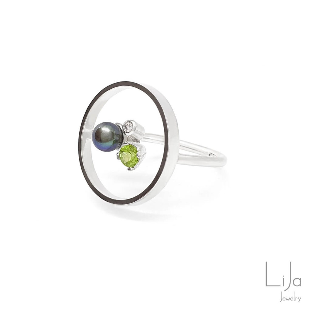 Goudsmid Lija Jewelry Geboortestenen Ring Zilver Diamant Peridot Parel