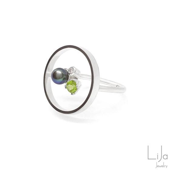 Goudsmid Lija Jewelry Geboortestenen Ring Zilver Diamant Peridot Parel
