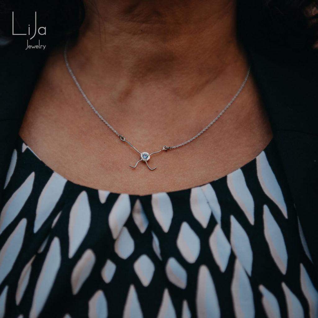 Lija Jewelry Edelsmid Witgoud Afscheidscadeau Sieraad Hanger