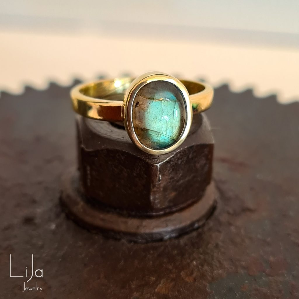 lija jewelry goudsmid labradoriet geelgoud maatwerk